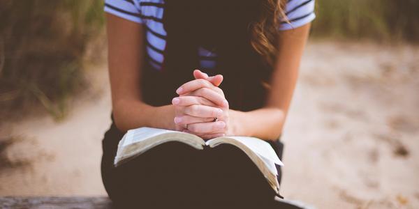Gebet, © unsplash/Ben White