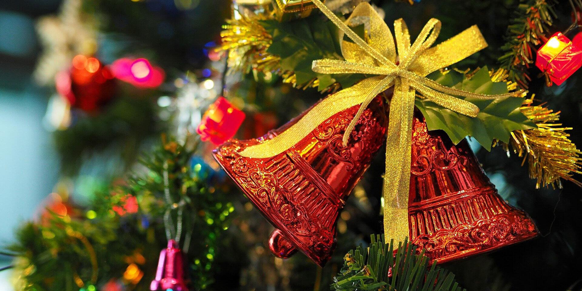 Weihnachtsbaum mit Glöckchen